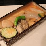 御料理 宮した - 石焼き (ふぐ、帆立貝、牡蠣、茄子、獅子唐)