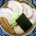 村岡屋 - チャーシュー増し、煮玉子付きの「特製中華」
