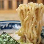 村岡屋 - 硬すぎるくらいに歯ごたえある中華そば用の麺