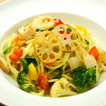 ヴォーノミイナ加藤 - 朝採れ野菜がたくさん入った12種類の野菜のパスタ