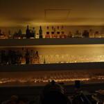 バー レイジ - 酒棚その2