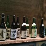 Awataguchi - 入り口付近の一升瓶のスプレイに心躍る