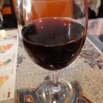 タージクティ - グラスワイン