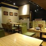 essence dining - 店内