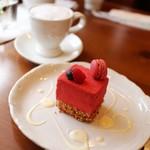 カルチェ・ラタン - 料理写真:フランボワーショコラ + カプチーノ☆