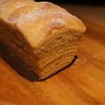 シェ タニ - 料理写真:黒糖バウムクーヘン山樵(やましょう)700円。