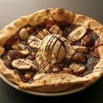 CONA - 別腹のチョコバナナピザ★