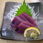 海鮮丼の駅前 - 初かつお造り 580円