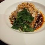 銀座ダイニング RONTAN - ■四川よだれ鶏 四川名物!辛い国産鶏の前菜