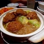 香港亭 - ジャンボ肉団子土鍋・680円