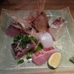 24118895 - 2014.2)キンキ、メジマグロ、エビ、シメ鯖、イカ、カマスの棒寿司
