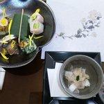 三ツ橋 - 珍味:ひらめ煎り酒盗和え 前菜5種盛