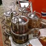 バンコクスタンド - Bangkok Stand @大手町 タイの食卓4大調味料