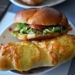 和みのぱんやさん 小麦畑 - Wチーズ、手捏ねハンバーグ