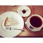 柞の杜 - 紅茶のチーズケーキとアッサムティー