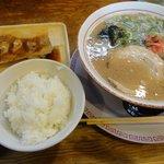 麺堂 香 - 「梅セット(+130円)」ラーメンとなら計680円也