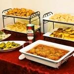 ママズキッチン - 2014.2 左上MILANESA、左中央EMPANADA、左下サラダとピクルス、右上CHIPA、右中央SOPA PARAGUAYA、右下ALBONDIGA