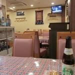 ディービーズ キッチン - 食堂然とした店内です
