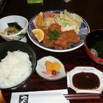 つつみ - 料理写真:とんかつ定食1050円