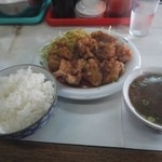 天鵬 - ライス150円。鶏唐揚げ500円。特別注文醤油スープ20円。