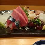 鮨やまと - お刺し身盛り合わせ(カワハギ、鯖、大トロ、ミル貝、鯨、生蛸、海老)
