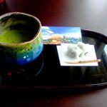 24137422 - 抹茶と和菓子(チケット半券には,リノベ中の昨年秋の景色)