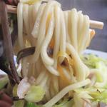 天龍 - 家庭的な味だけど、スープ・野菜・麺とのマリアージュがバッチリであれば それはそれで極上の味です。