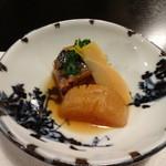ふじ石亭 - 大根、タケノコ、ブリの煮付け