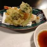 ふじ石亭 - 天ぷら(海老、ふきのとう、わらび)