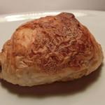天然酵母パン 味取 - クロワッサン ショコラ