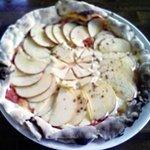 梨の木 - りんごのピザ