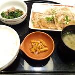 ガスト - 四元豚シルキーポークの生姜焼き和膳
