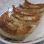 南龍飯店 - 料理写真:餃子