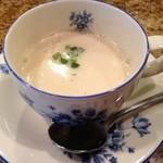 神戸パリ食堂 - かぶらの自家製スープ。       かぶらってこんなに甘みがあるんだと思えるポタージュスープ◎