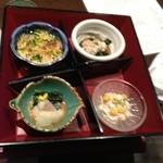 酒菜屋 錦町 はぎ - 小鉢が入ってました。