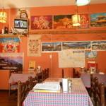 ニューカトマンズキッチン - ネパールな店内
