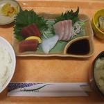 A-Zスーパーセンター フードコート・レストラン - さしみ定食 580円