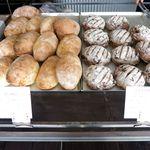 ポーズパン - 店内のパン(ブッロ・ウーバ パッサ)