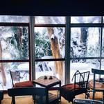 ティンハウス - 雪の日