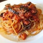 トラットリア 223 - 料理写真:ランチのトマトソースパスタ
