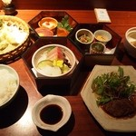 いせもん本店 - 三段弁当ランチ(神路山弁当)