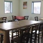 ワイズマフィン - 2階が食事スペース♪のんびりくつろげます♪