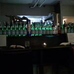 フェリチェリーナ - 調理場は、ボトルに隠れて見えなかった!