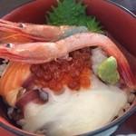 24195822 - 海鮮丼アップ