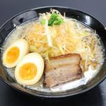 竹岡屋 - こってり醤油味玉ラーメン 780円
