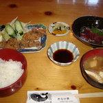 きなせ亭 - くじらの竜田揚げ定食¥1200