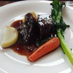 デルフィーノ - 牛ホホ肉の赤ワイン煮