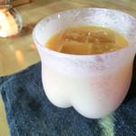 有鄰庵 - 桃ジュース(ゆれるももしりカップ)