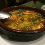 スペイン料理 ティオ・ダンジョウ - にんにくたっぷりのアヒージョです。