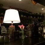 24205781 - オールドモダンな店内で雰囲気が良い